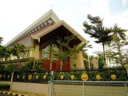 Rumah Tuhan (Dewi Wijayanti - Paulus 5)