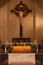 Salib + Altar (Edhita Soebagio - Bernadette)