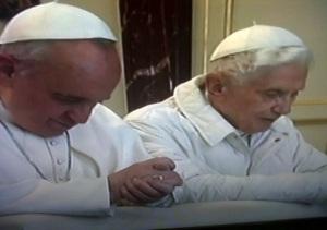 Paus Fransiskus dan Benediktus XVI berdoa bersama